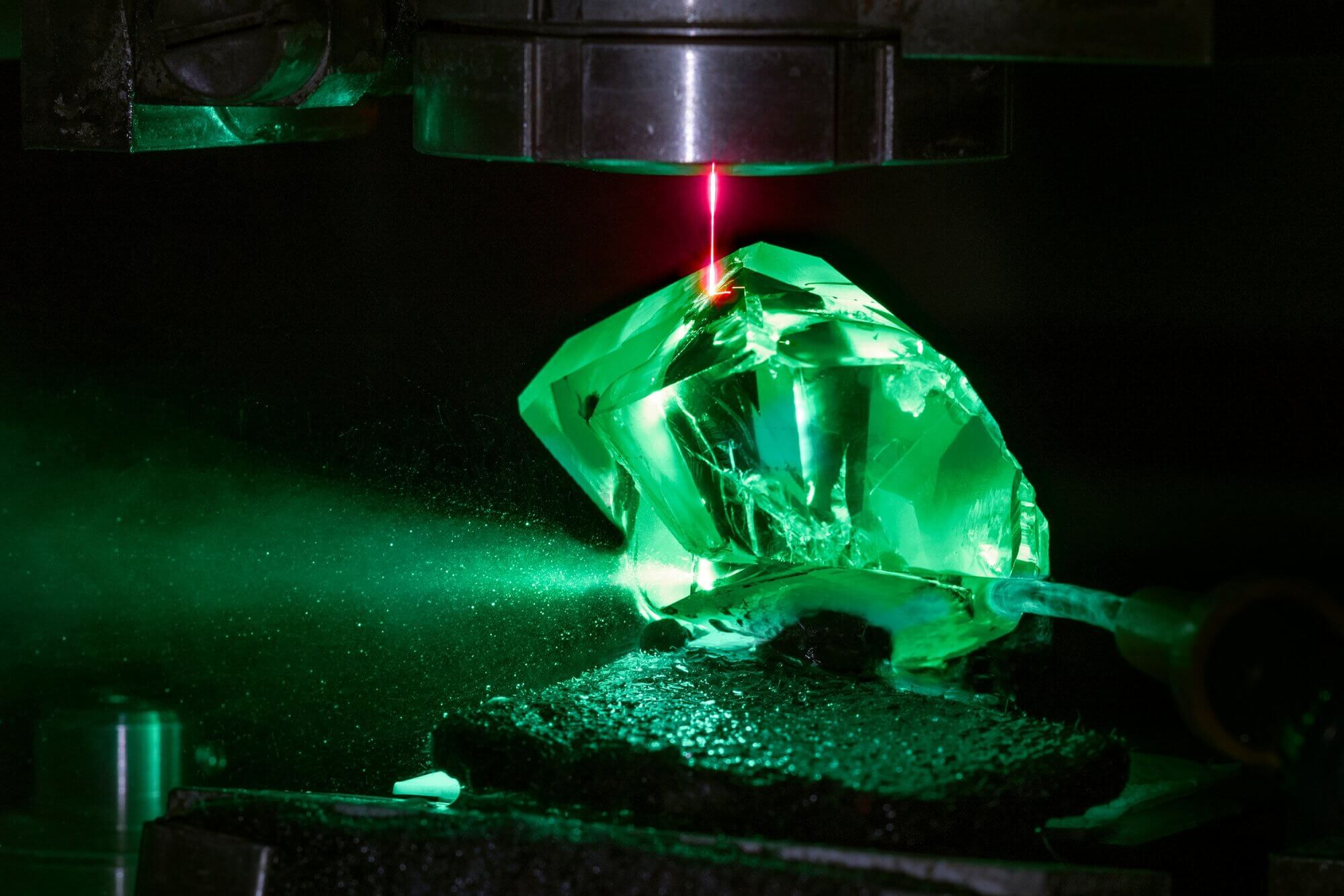 The Graff Lesedi La Rona rough stone being cut by lasers