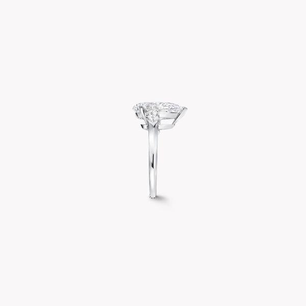 Pear Shape Diamond High Jewellery Ring, , hi-res